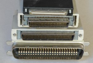 SCSI (Small Computer System Interface)