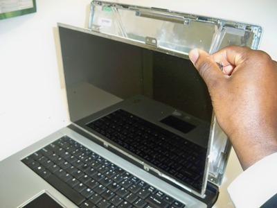 How to Repair a Laptop Screen