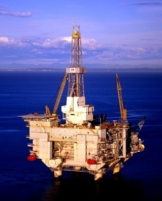How Do Oil Rigs Work?
