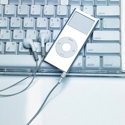 How Do I Download Music Onto an MP3 Player?